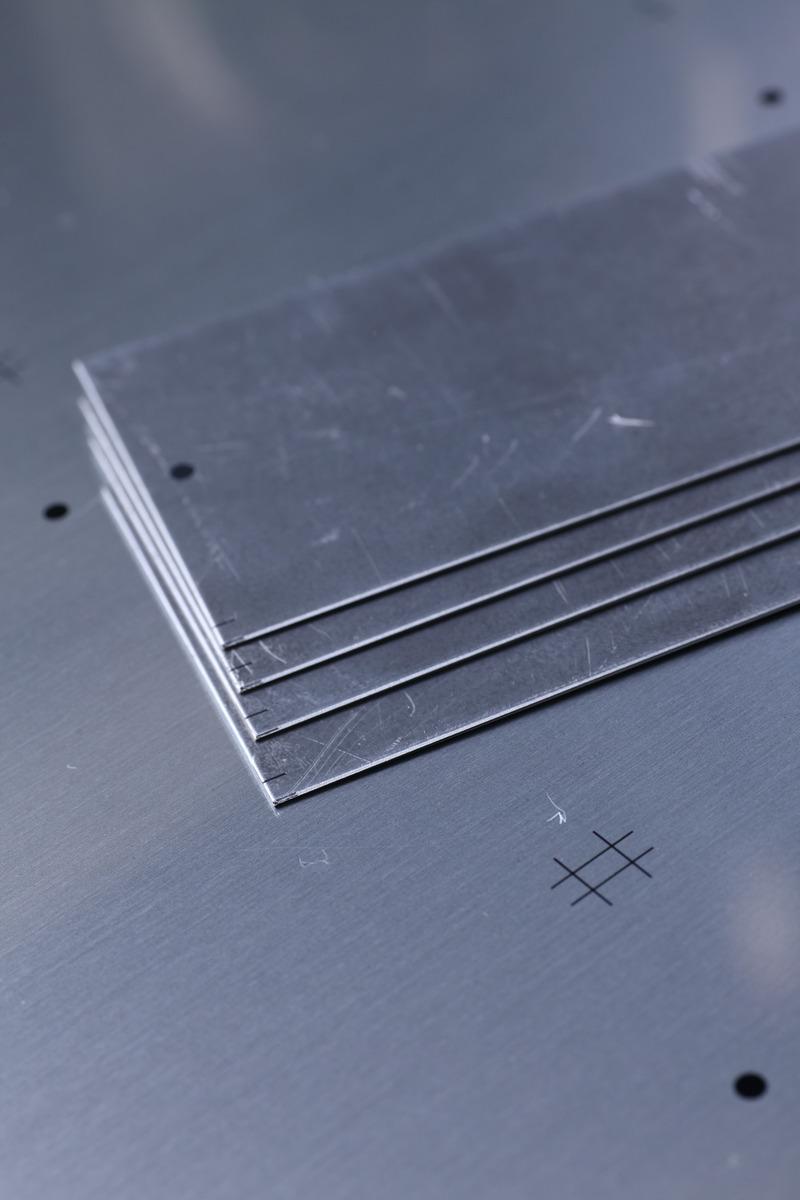 i-Cut Pro 銘板/印刷板/装飾板切断用 短尺材切断線が目視できます