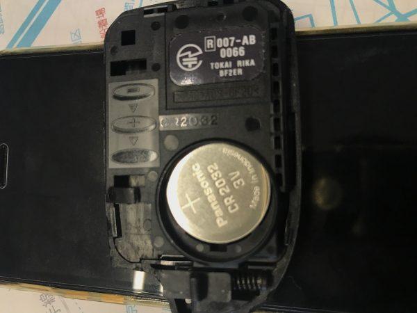 車のキーレス用バッテリー交換!!サムネイル